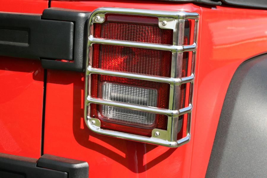 Osłony lamp tylnych Euro Guards, stal nierdzewna | 07-16 Jeep Wrangler JK