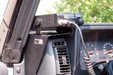 Mocowanie CB Radia na konsoli : 97-06 Jeep Wrangler TJ