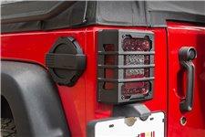 Osłony świateł tylnych Elite, czarne teksturowane, 07-17 Jeep Wrangler JK