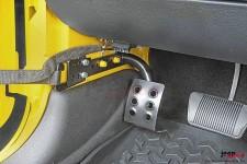 Martwy pedał, strona kierowcy : 07-17 Jeep® Wrangler JK, automat