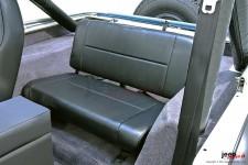 Tylna kanapa, nie rozkładana, czarna : 55-95 Jeep CJ/Wrangler YJ